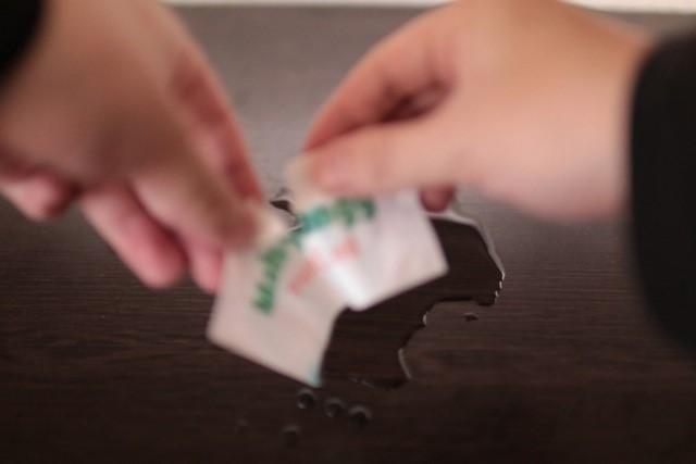紙カード濡れたら破れる画像